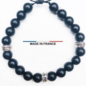 Bracelet pierre semi précieuse Onyx Mat 8 mm et 3 Perles Striées argentées vue du dessus