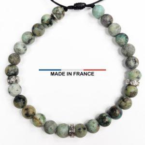 Bracelet Bracelet pierre semi précieuse en Turquoise Africaine 8 mm et 3 Intercalaires Argentés vue du dessus en Turquoise Africaine 6 mm avec 3 Intercalaires Argentés vue du dessus
