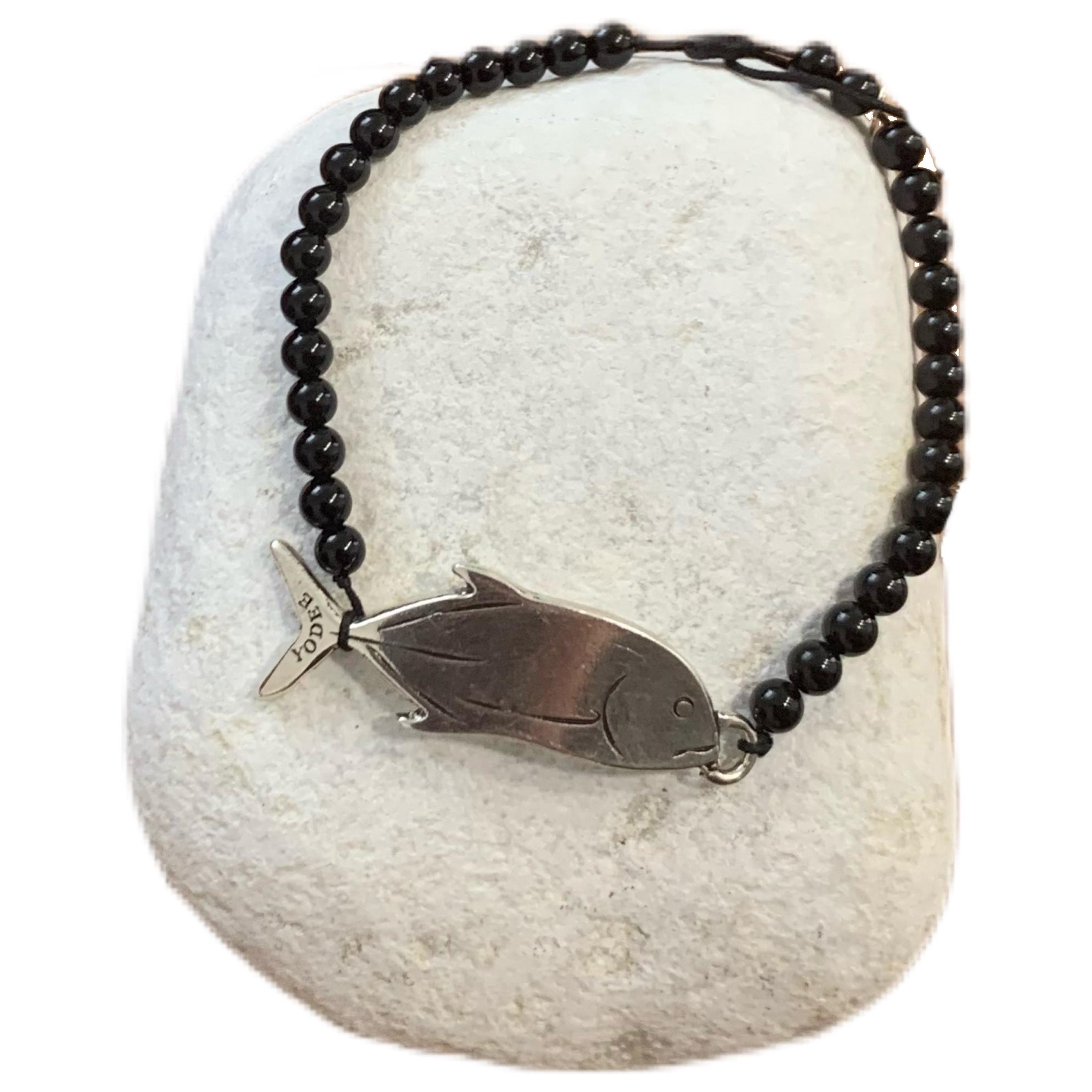 Bracelet pierre Onyx Brillant 4mm avec une Carangue Argenté